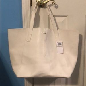NWT Saks Fifth Avenue very Large whistle tote